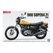 Kawasaki 900 Super 4 Model Z1 1973 with Custom Parts 1/12