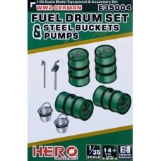 WWII German Fuel Drum Set 1/35