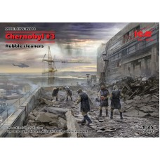 Chernobyl #3 Rubble cleaners (5 figures) 1/35