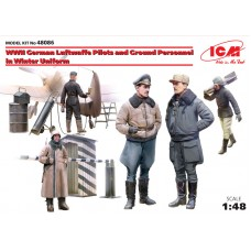 WWII Luftwaffe Pilots and Ground Personnel in Winter Uniform 1/48