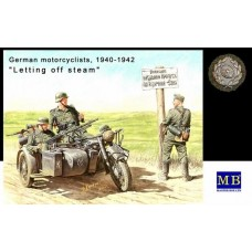 "German Motorcyclists 1940-1943 ""Letting off steam..."" 1/35"
