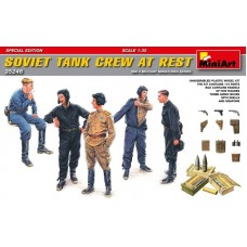 Soviet Tank Crew At Rest - Special Edition 1/35