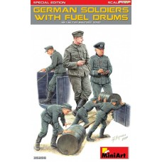 German Soldiers with Fuel Drums - Special Edition 1/35