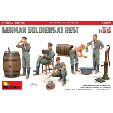 German Soldiers At Rest - Special Edition 1/35
