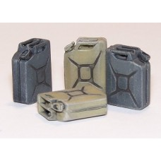 German Jerrycan 8 pcs, 1/35