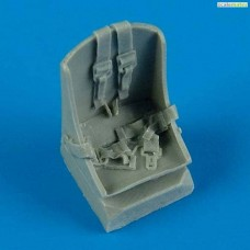1/48 P-47D Razorback seat with safety belts
