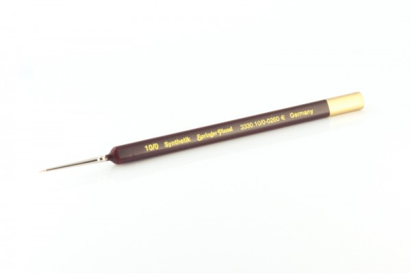 Size 10/0 synthetic brush, triangular-handled