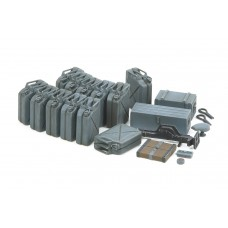 German Jerry Can Set - Early Type 1/35